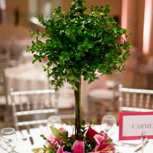 Aranjamente florale nunta de masa cu tematica pomisor.