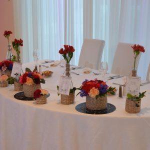 Aranjamente florale prezidiu cu tematica traditionala.