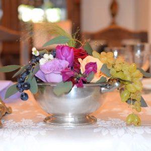 Aranjament floral botez cu tematica printesa.