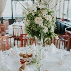 Aranjamente florale nunta inalte.