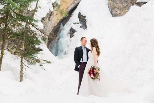 GuenardPhotography123-Emerald-Lake-Lodge-Winter-Wedding-640x427