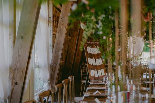 The Green Spot Wedding BARN 7