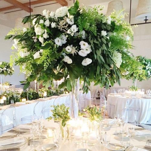 a83fd156411fcee4d07f7332e76cb0e5--green-centerpieces-centerpiece-wedding